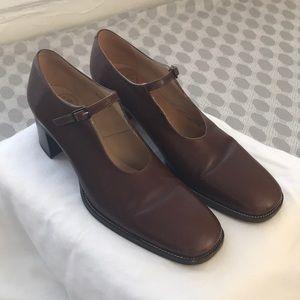 Vintage 1970s  Brown Maryjane Heels